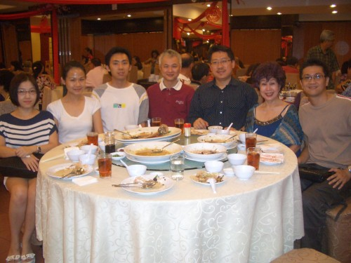 Master Soon & Yijing Class Students At Red Rock Hotel for Dinner on 25 June 2011