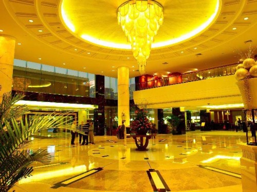 Master Soon in Dong Fang Hotel. Elegant Hotel in Guangzhou. Choose Dong Fang Hotel if you want to enjoy life in Guangzhou.