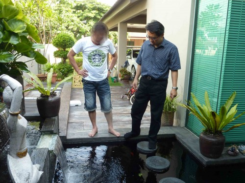 When Outdoor Water Fountain is built with elongated water flow; it turns into feng shui water dragon. By chance, it only provides 2 extream outcomes; very good or very bad. In this case, it tuned and became very bad to the property owner. Outdoor water fountain could enrich your life or impoverish your family as a whole.