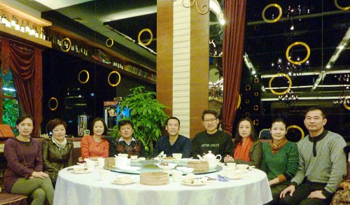 Before sending me to airport(back to Malaysia), all friends came together and we had meal ( the way Chinese say good bye)...   热情的中国人