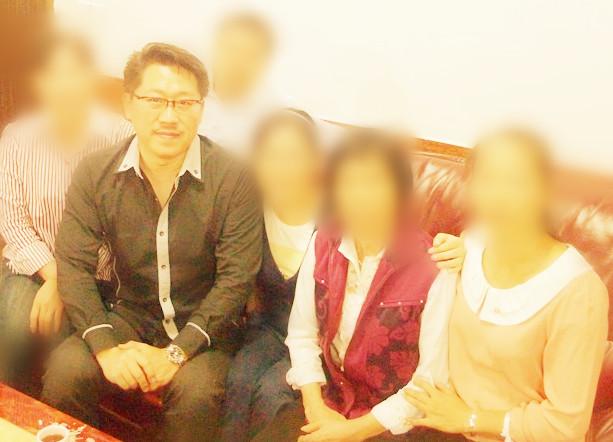 亲情,是家运之基石,是家运亨通的根本. Master Soon in China, Guangxi during Dragon Searching.....in May 2013
