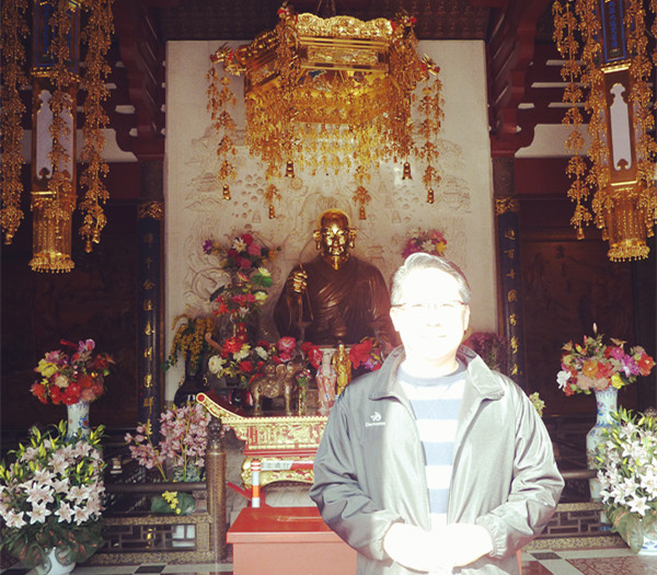 Master Soon with the form of Xuanzuang in Lin Gu Temple, where his parietal bone relic is kept